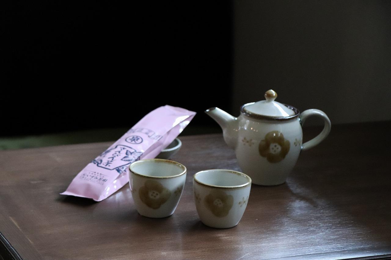 お茶ポットフラワー茶セット.jpg